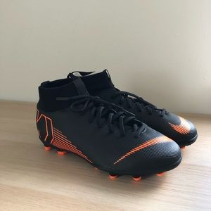 NEW Nike Superfly Soccer Cleats